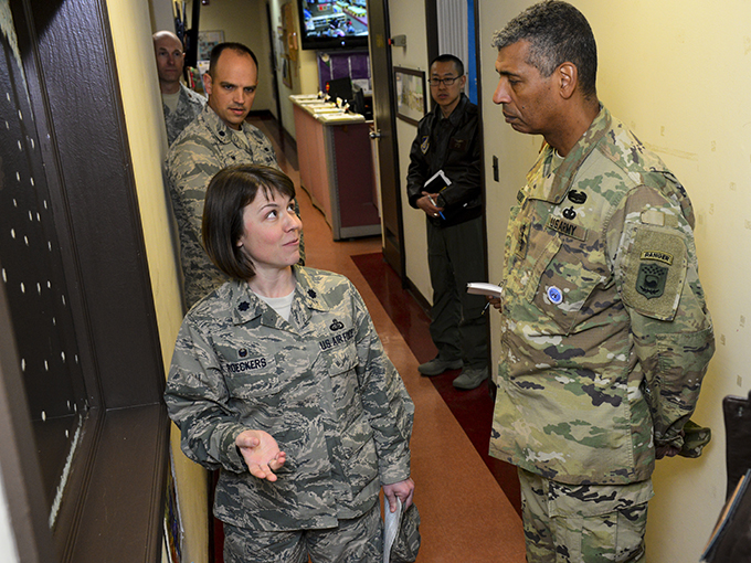 USFK commander receives Osan facility immersion